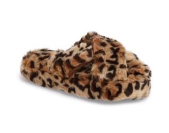https://shop.nordstrom.com/s/steve-madden-comfy-faux-fur-slipper-women/4823380?origin=keywordsearch&keyword=houseshoes&page=2&top=72