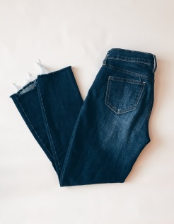 https://shop.nordstrom.com/s/articles-of-society-carly-crop-skinny-jeans-brooks/4684820?origin=topnav&cm_sp=Top%20Navigation-_-Women-_-Jeans%20&offset=2&top=72&price=%27%2425-%2450~~30%27%7C%27%2450-%24100~~40%27